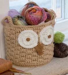 Fuente: http://www.redheart.com/free-patterns/its-hoot-owl-container