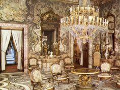 Rococo Regalia 1.) Chateau De Versailles- Versailles, France 2.) Hotel De Soubise- Paris, France 3.) Elysee Palace- Paris France 4.) Schonbrunn Palace- Vienna,Austria 5.) Palacio Real- Madrid,Spain