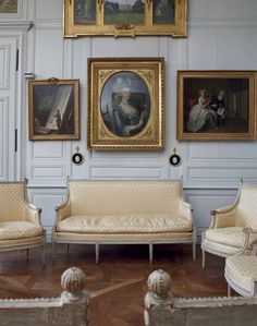 A Louis XVI set of seat furniture, stamped by Henri Jacob, last quarter 18th century #laviedechateau