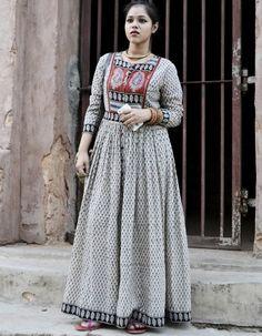 Off White Block Printed Button Down Long Kurti Bollywood Style Dress, Bollywood Fashion, Kurta Designs Women, Blouse Designs, Ethnic Fashion, India Fashion, Indian Dresses, Indian Outfits, Kalamkari Dresses