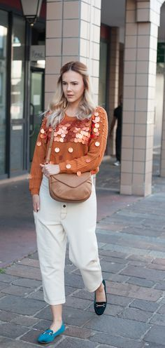 Once you adopt it you can never leave the .Kate Lee CARA style, so soft and light. And so easy to match all your outfits like Sorana did perfectly !   #katelee #bag #style