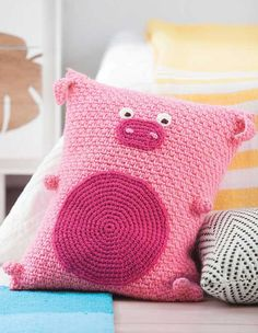 No one can resist hugging the fun characters in Kid's Animal Pillows! Each has a lovable face, and some even have tails, feet, and other features. These whimsical pillows make great decorative acc Crochet Pig, Crochet Home, Cute Crochet, Crochet For Kids, Crochet Animals, Crochet Pillow Pattern, Crochet Cushions, Crochet Toys Patterns, Stuffed Toys Patterns