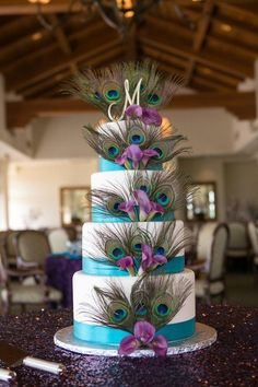 10 Ideas For Peacock Wedding Centerpieces Unique Style (34)