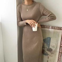 Modest Wear Hijab Minimal Monochrom Streetstyle Herbst-Winter Frühlings-S Hijab Outfit, Trendy Dresses, Casual Dresses, Hijab Casual, Look Fashion, Autumn Fashion, Fashion Spring, Fashion Photo, Fashion Fashion