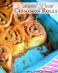These decadent Caramel Pecan Cinnamon Rolls can be made the night before and baked fresh in the morning! Topped with delicious caramel cinnamon roll icing! Caramel Pecan Cinnamon Rolls Recipe, Caramel Icing, Cinnamon Bread, Brunch Recipes, Sweet Recipes, Breakfast Recipes, Dessert Recipes, Delicious Desserts, Yummy Food