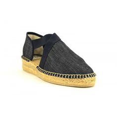 These authentic Spanish cotton canvas espadrilles are handcrafted in the village of Cervera del Rio Alhama, one of the only villages left where the espadrilles are truly hand crafted #Salvi #espadrilles