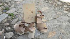 Vive la sensación de lucir una figura esbelta, con modelo de sandalias de tacón #KMBShoes