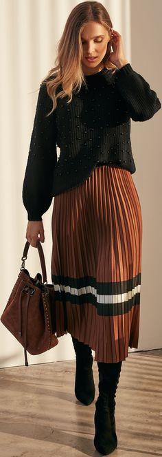 Lace Skirt, Sequin Skirt, Fashion 2020, Short Skirts, Red Carpet, Runway, Sequins, Legs, Fashion Design