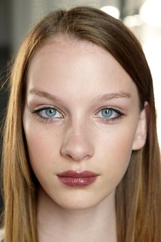 BEAUTY+HOW-TO:+Sheer+Berry+Lips+Inspired+By+Fall+2010's Runways+|+StyleCaster