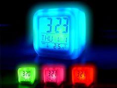 7 Renk Değiştiren Alarmlı Dijital Küp Saat :: GURAYAVM