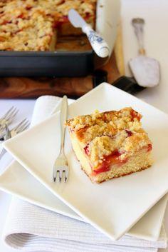Kruimelcake met fruit van Donna Hay