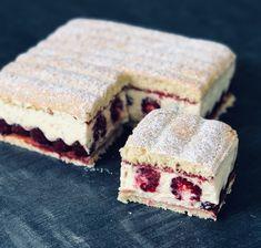 Raspberry Tiramisu - En-K of delicacies - Cheesecake Recipes Cheesecake Mousse Recipe, Chocolate Mousse Cheesecake, Easy Cheesecake Recipes, Easy Cake Recipes, Dessert Recipes, Raspberry Tiramisu, Tiramisu Cake, Tiramisu Mascarpone, Mini Desserts