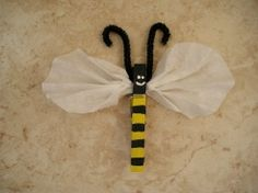 This little bee uses a clothespin for the body, pipe cleaner for the antennae, and a coffee filter for the wings. I love this idea to display student work in my classroom.