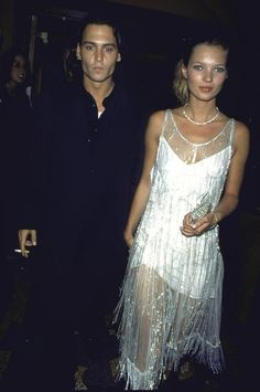 Johnny Depp et Kate Moss en robe Calvin Klein en 1994 à Los Angeles