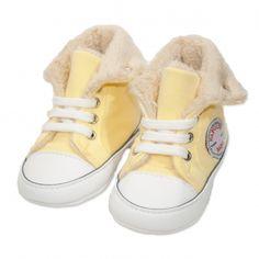 Va prezentam botoseii tip bascheti unisex (bebe) pentru toamna / iarna, calitate superioara, design fashion, colectia 2019, culoare galben deschis & alb, marca Papulin, ideali pentru diferite evenimente festive (botez, nunta, onomastica, etc). Acesti botosei fac parte din categoria incaltaminte copii, fiind confectionati conform celor mai inalte standarde calitative, fabricati in Turcia. Childrens Shoes, Baby Shoes, Kids, Clothes, Fashion, Young Children, Outfits, Moda, Boys