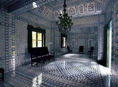 Amazing tiled room