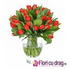 25 de lalele rosii pentru 8 Martie - http://www.floricudrag.ro/home/144-buchet-de-25-lalele-rosii.html