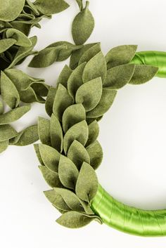 Diy christmas wreaths 278589926936124008 - Learn how to make a beautiful felt Christmas greenery wreath using the Cricut Maker. This is a festive and easy project for the holiday season! Christmas Greenery, Noel Christmas, Christmas Wreaths, Christmas Ornaments, Christmas Quotes, Christmas Felt Crafts, Fall Felt Crafts, Advent Wreaths, Felt Christmas Decorations