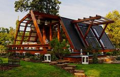 Venue de Roumanie, la Soleta zeroEnergy est la plus petite d'une gamme de maisons modulaires écologiques créée par la Fondation Justin Capra pour les Inventions et Technologies durables (FITS).La suite sur mrmondialisation.org