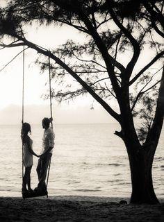 In Love on Hawaii | Fine Art Hochzeitsfotografie | DUJMOGRAPHY · Fine Art Hochzeitsfotografie | DUJMOGRAPHY | Fine Art Wedding Photography | Destination Wedding Photography | Hawaii | Fine Art Wedding Photography, Hawaii, Creative Wedding Photography, Black White Photos, Hawaiian Islands