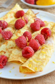 Slimming eats - slimming world recipes low syn crepe style pancakes Slimming World Puddings, Slimming World Treats, Slimming World Breakfast, Slimming Eats, Slimming World Recipes, Healthy Food List, Healthy Breakfast Recipes, Healthy Snacks, Healthy Recipes