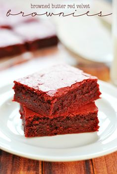 Browned Butter Red Velvet Brownies | www.somethingswanky.com @Something Swanky