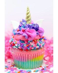 Unicorn cupcakes for a Unicorn Birthday Party. These are absolutely adorable! Rainbow vanilla cupcake with cake batter frosting, topped with cotton candy swirls, with Unicorn sprinkles, ears and horn. Unicorn Birthday Parties, Unicorn Party, Birthday Kids, Rainbow Birthday, Mermaid Birthday, Birthday Wishes, Cupcake Rainbow, Rainbow Sprinkles, Rainbow Candy