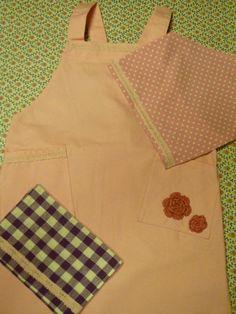 長女の調理実習セット、三角巾、エプロン、布巾