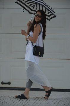 arizona sandalet, arizona sandals fashion, arizona terlik, arizona terlik modelleri, basketbol forması, chic look, etek tayt modeli, fashion blog, moda blogu, şemsiye, sport look, stil blogu, striped umbrella, style blog, tayt modelleri, vintage bag, vintage çanta
