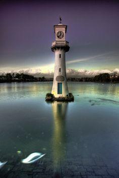 Scott Memorial Lighthouse on Roath Park Lake, Cardiff, Wales ✯ ωнιмѕу ѕαη∂у Beacon Of Light, Light In The Dark, Lighthouse Lighting, Lighthouse Art, Lighthouse Pictures, Light Of The World, South Wales, Wales Uk, Kirchen
