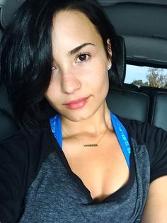 She looks incredible without makeup