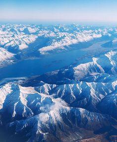 Wintery perfection at Wakatipu Pic: @sinparardviajar #hakatours _______________________________ #wakatipu #winter #nz #travel #newzealand #kiwi #instatravel #travelgram #landscape #nature #northisland #southisland #aotearoa #scenery #sceneryporn #beautiful #breathtaking #ourplanetdaily #neverstopexploring #lonelyplanet #splendid_earth #tourtheplanet #beautifuldestinations #igbest_shotz #naturelovers #roamtheplanet #worldshotz #wanderlust #openmyworld