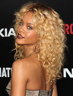 Top 10 Curly Hairstyles - Daily Makeover