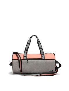 Victoria's Secret PINK - Gym Duffle (Paradise Peach / Grey Marl) - Tap the pin if you love super heroes too! Cause guess what? you will LOVE these super hero fitness shirts! Cute Gym Bag, Cute Bags, Pink Duffle Bag, Duffel Bag, Fitness Outfits, Fitness Shirts, Mochila Nike, Pink Gym, Victoria Secret Bags