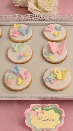 ideas for cake oreo fondant birthday parties Fondant Cookies, Fondant Cupcake Toppers, Iced Cookies, Cute Cookies, Easter Cookies, Cupcake Cookies, Fondant Butterfly, Butterfly Cookies, Flower Cookies
