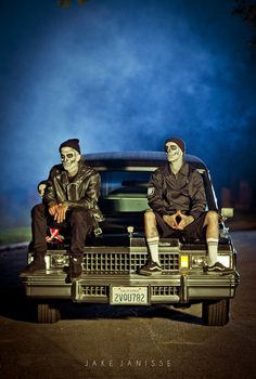 Yelawolf & Travis Barker on set of whistle dixie. can bump that song errday :)