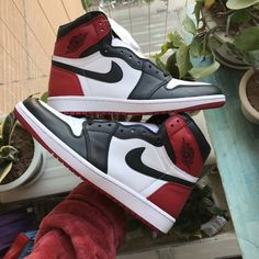 dc44f1ffdb5f Air Jordan 1 Retro High OG  Bred Toe  555088-610
