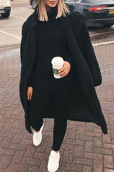 Winter women fashion outfit with a comfortable set a long black coat in Women fashion Winter Fashion Outfits, Fall Winter Outfits, Look Fashion, Autumn Fashion, Womens Fashion, Korean Fashion, Spring Fashion, Mode Outfits, Stylish Outfits
