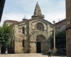 La colegiata en la parte antigua de la ciudad.