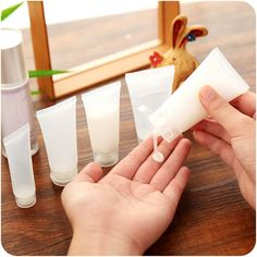 2.95$  Buy here - http://alibnk.shopchina.info/go.php?t=32793434339 - 5 pcs Empty Cosmetics Bottles Refillable Screw Cap Spray Flip Bottles Portable Shampoo Shower Gel Containers 2.95$ #aliexpressideas