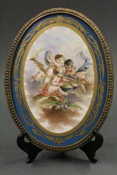 Serves, France, porcelain group : Lot 2028