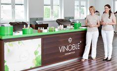 Konzept, Gestaltung und Umsetzung der VINOBLE Welt bei VINOBLE Cosmetics Portfolio, Space, Design, Concept, World, Floor Space, Spaces