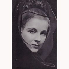 Diana Wynyard as Hermione, 1948. Photograph of Diana Wynyard as Hermione in The Winter's Tale. Shakespeare Memorial Theatre, 1948