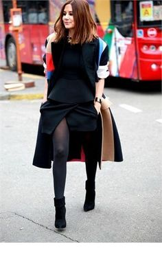Christine Centenera always stylish in all black Fashion Editor, Fashion Week, Love Fashion, Passion For Fashion, Womens Fashion, Fashion Trends, Fashion Idol, Street Style Chic, Chic Outfits