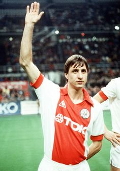 Johan Cruyff (Ajax Amsterdam Legend).   With Maradona, Figo, Futre, Platini, Benzema, beckenbauer, Romário, CR7, ronaldinho gaúcho, And few others, The best I have seen