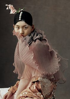 Kiki Xue, The Peking Opera on Harper´s Bazaar China