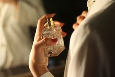 Imagem de perfume, vintage, and luxury