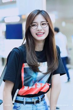 Tzuyu Twice - Tzuyu Kpop - Chou Tzuyu Kpop Girl Groups, Korean Girl Groups, Kpop Girls, Nayeon, Look Fashion, Korean Fashion, Tzuyu Body, Twice Tzuyu, Fandoms