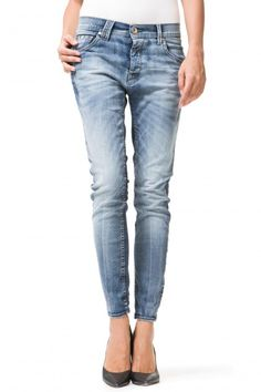 JOLEE W598 - Jeans - Woman - Gas Jeans online store - 5 pocket boyfriend jeans, in bicolor stretch denim, 10 oz in weight, very strong impact real used wash, clear and brilliant contrasts, this wash is to be considered one of the most exciting treatments of the entire collection.