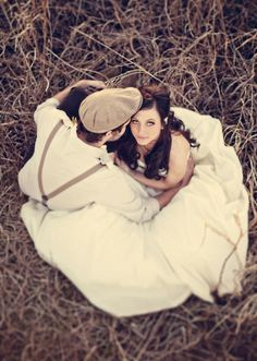 Outdoor Photography Prop Ideas   coolest wedding pic! love some blake and miranda
